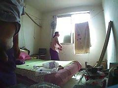 Youtube femei goale curat în casă